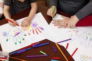 ילדים המציירים