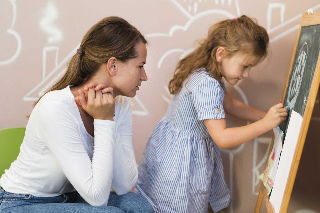 הורות לילדים על הספקטרום